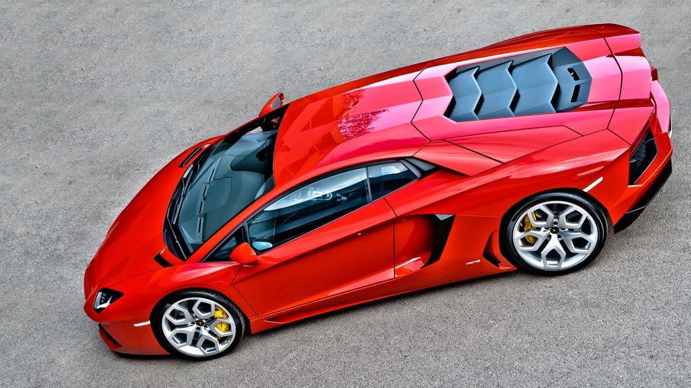 Kahn Design - Santagata Lamborghini Aventador Silver Platinum