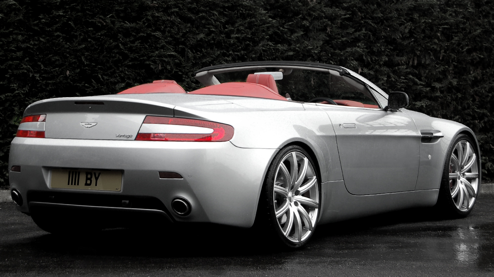 RSV Aston Martin V8